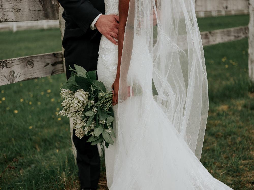 Stolen Glimpses Seattle Wedding Photographer at Rein Fire Ranch 24.jpg