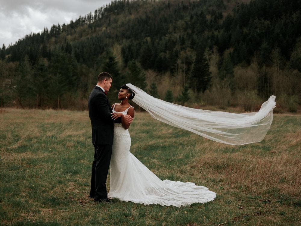 Stolen Glimpses Seattle Wedding Photographer at Rein Fire Ranch 26.jpg