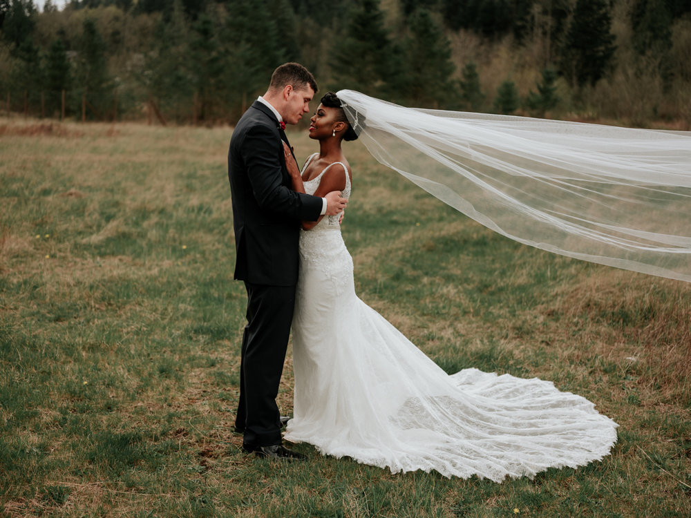 Stolen Glimpses Seattle Wedding Photographer at Rein Fire Ranch 27.jpg