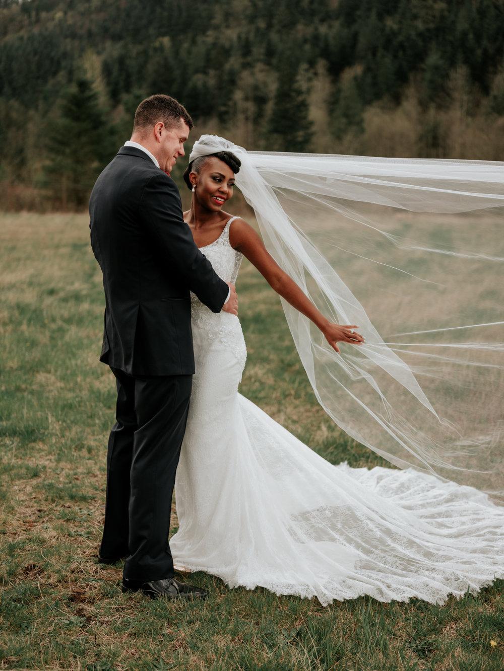 Stolen Glimpses Seattle Wedding Photographer at Rein Fire Ranch 29.jpg