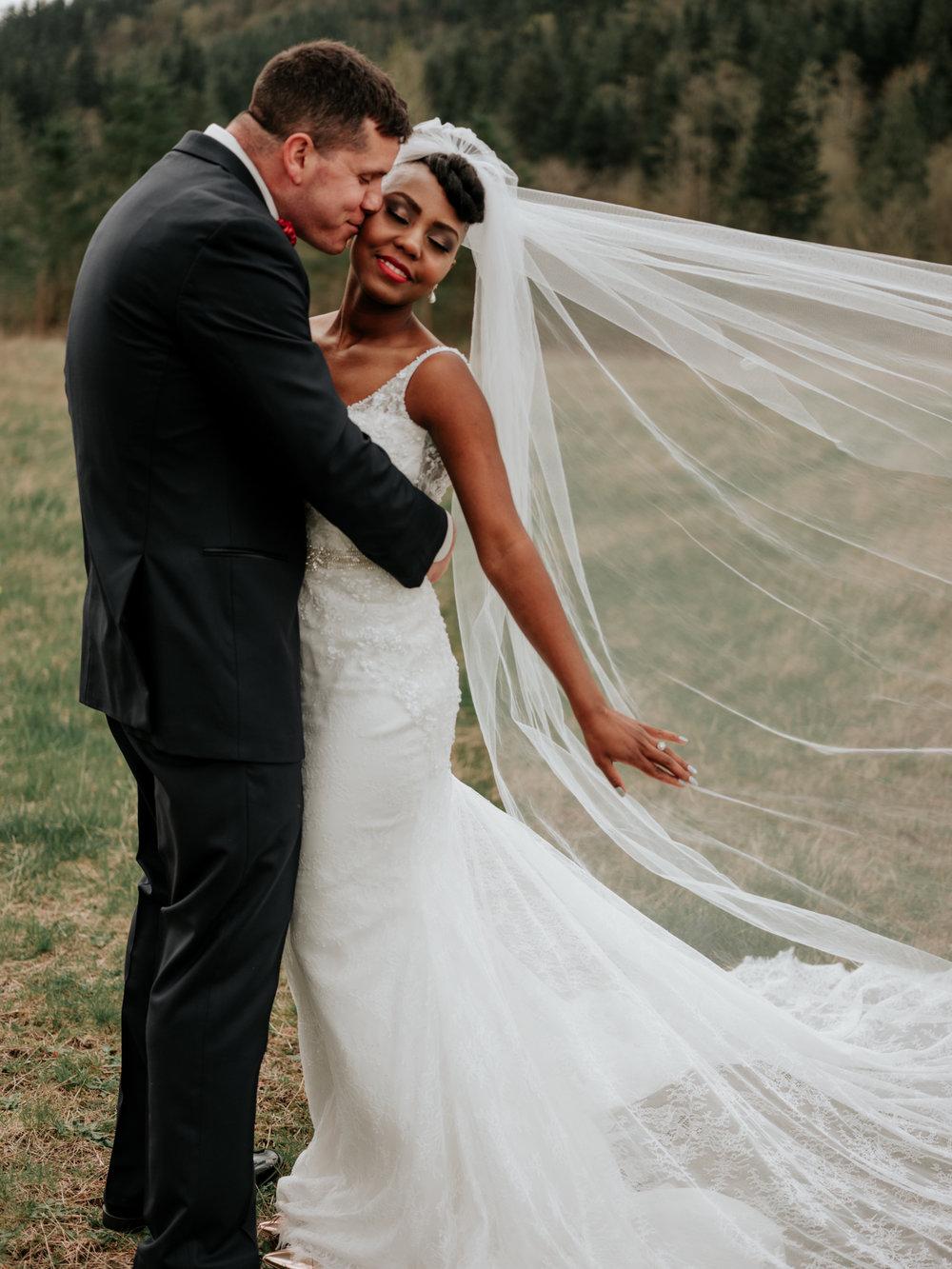 Stolen Glimpses Seattle Wedding Photographer at Rein Fire Ranch 30.jpg