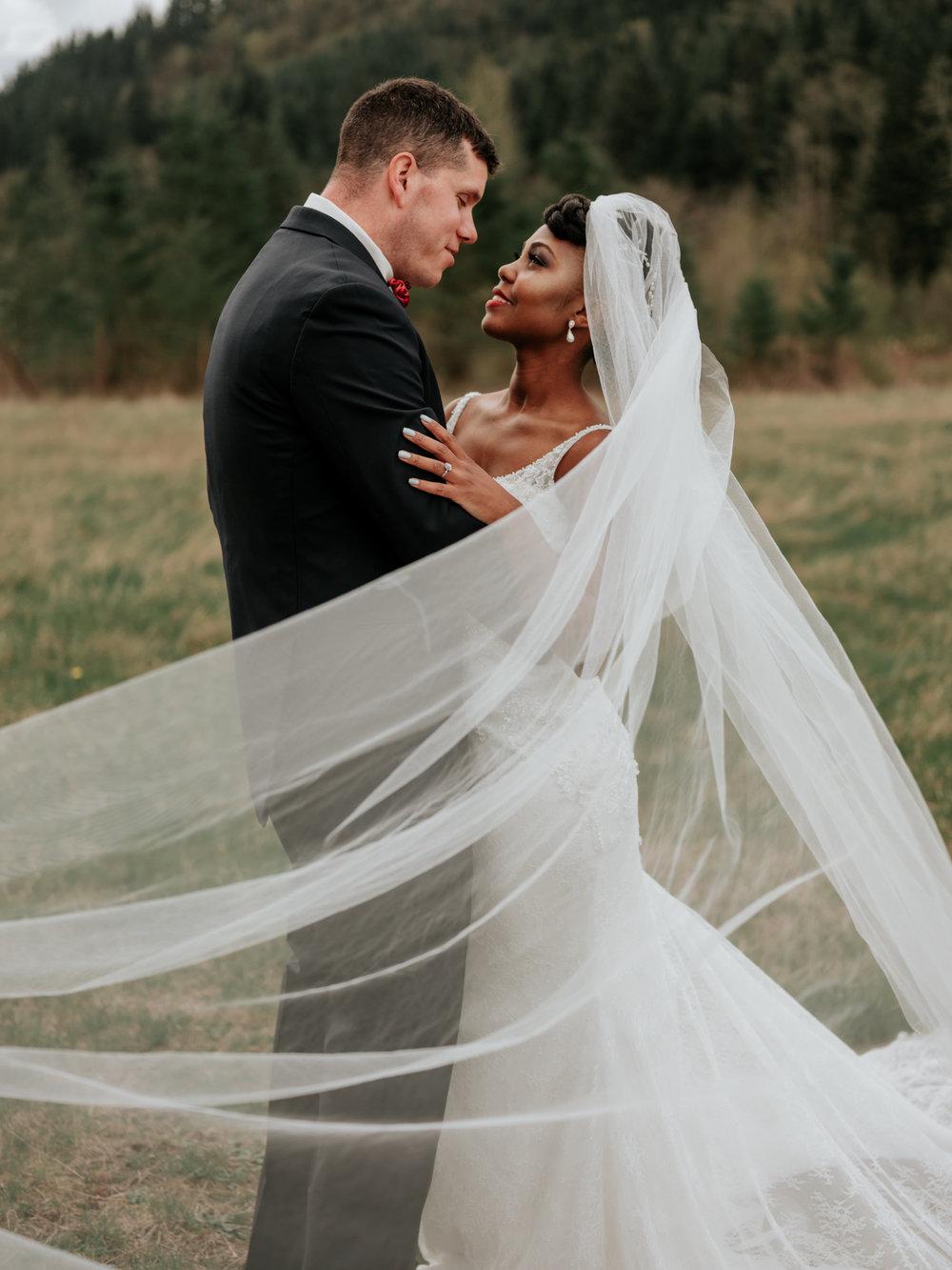 Stolen Glimpses Seattle Wedding Photographer at Rein Fire Ranch 31.jpg