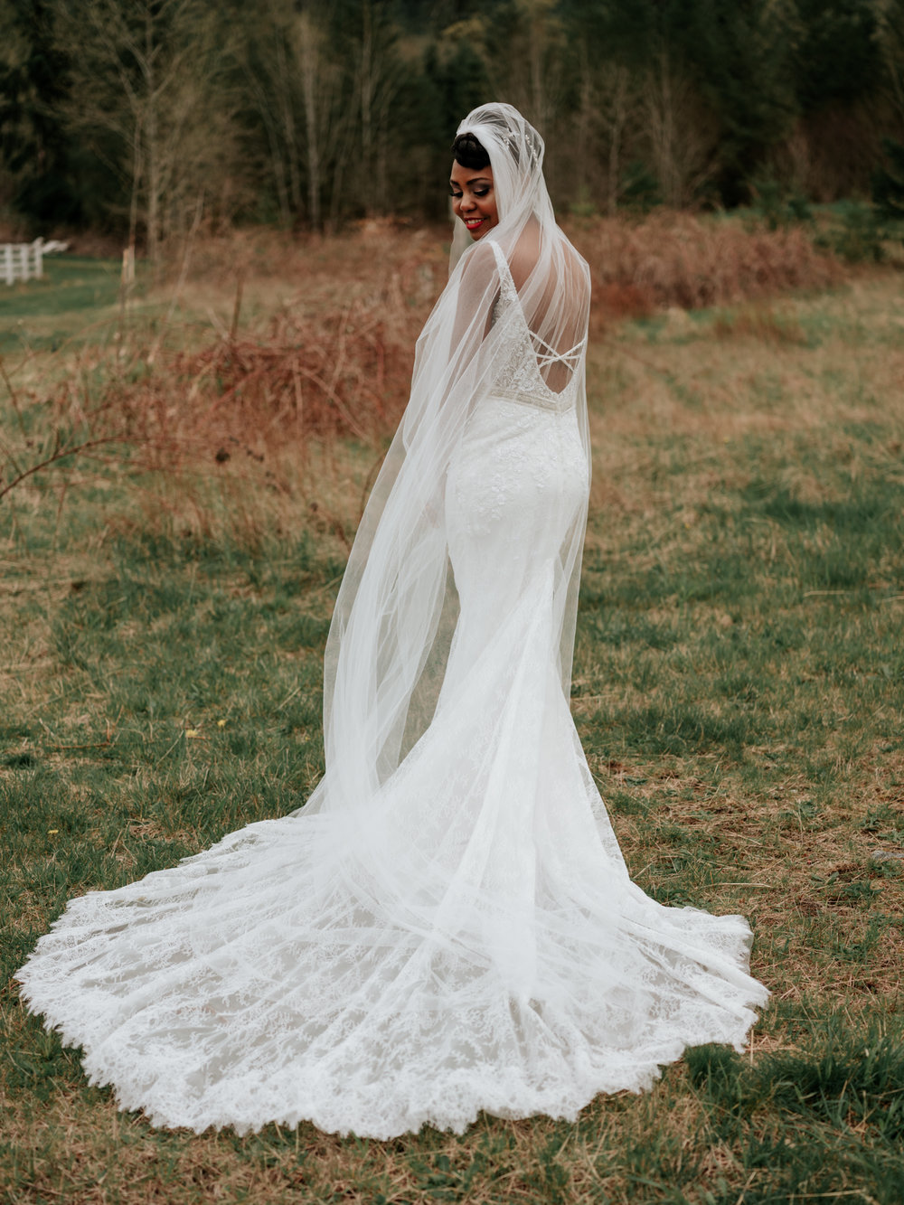 Stolen Glimpses Seattle Wedding Photographer at Rein Fire Ranch 32.jpg