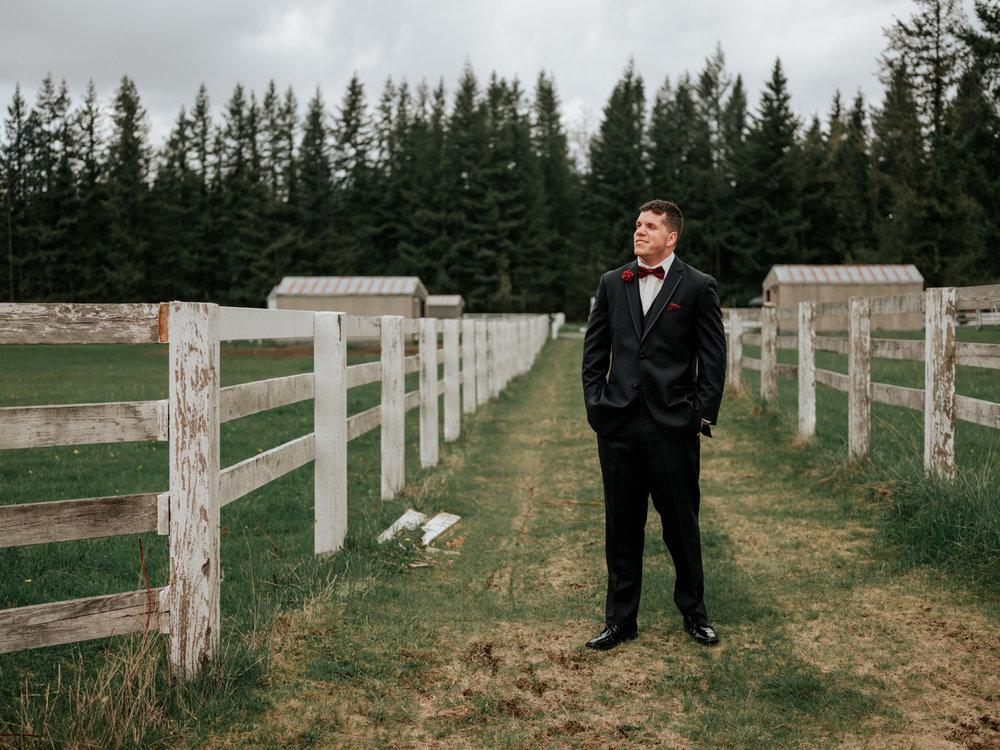 Stolen Glimpses Seattle Wedding Photographer at Rein Fire Ranch 33.jpg