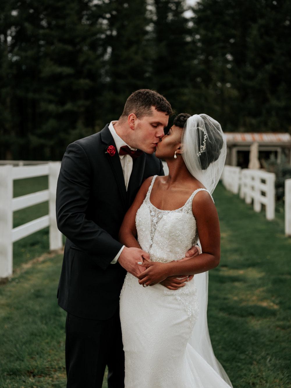 Stolen Glimpses Seattle Wedding Photographer at Rein Fire Ranch 38.jpg