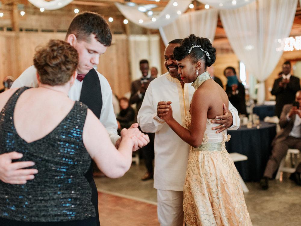 Stolen Glimpses Seattle Wedding Photographer at Rein Fire Ranch 77.jpg