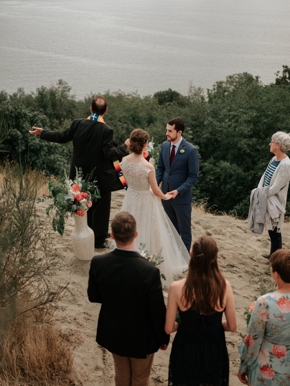 Stolen Glimpses Seattle Wedding Photographer at Discovery Park4.jpg