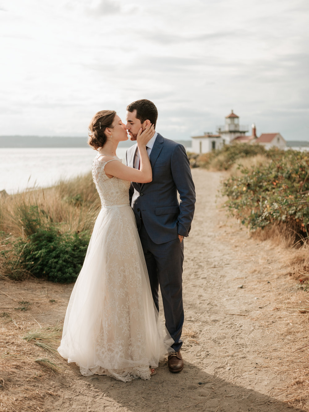Stolen Glimpses Seattle Wedding Photographer at Discovery Park58.jpg