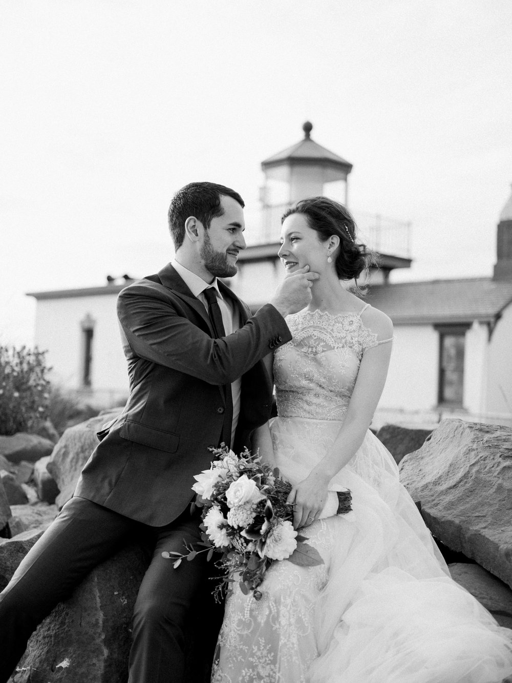 Stolen Glimpses Seattle Wedding Photographer at Discovery Park60.jpg