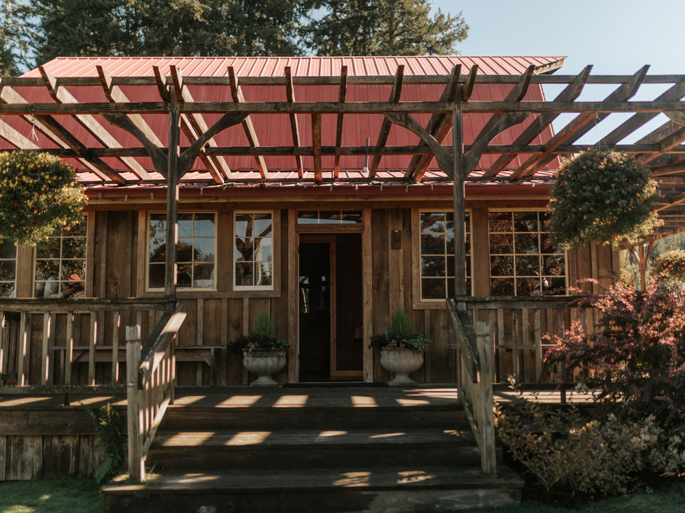 Stolen Glimpses Seattle Wedding Photographer Red Cedar Farm Wedding 6.jpg