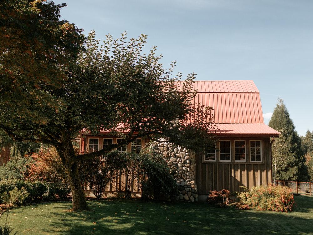 Stolen Glimpses Seattle Wedding Photographer Red Cedar Farm Wedding 13.jpg