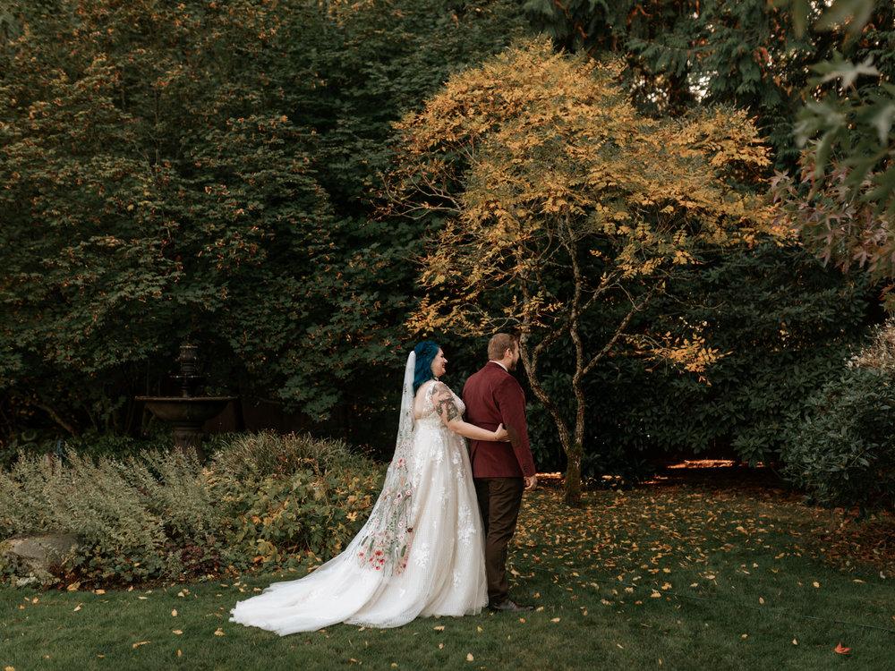 Stolen Glimpses Seattle Wedding Photographer Red Cedar Farm Wedding 30.jpg