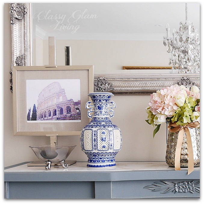 Blue and white porcelain chinoise vase in dining room console table | Classy Glam Living