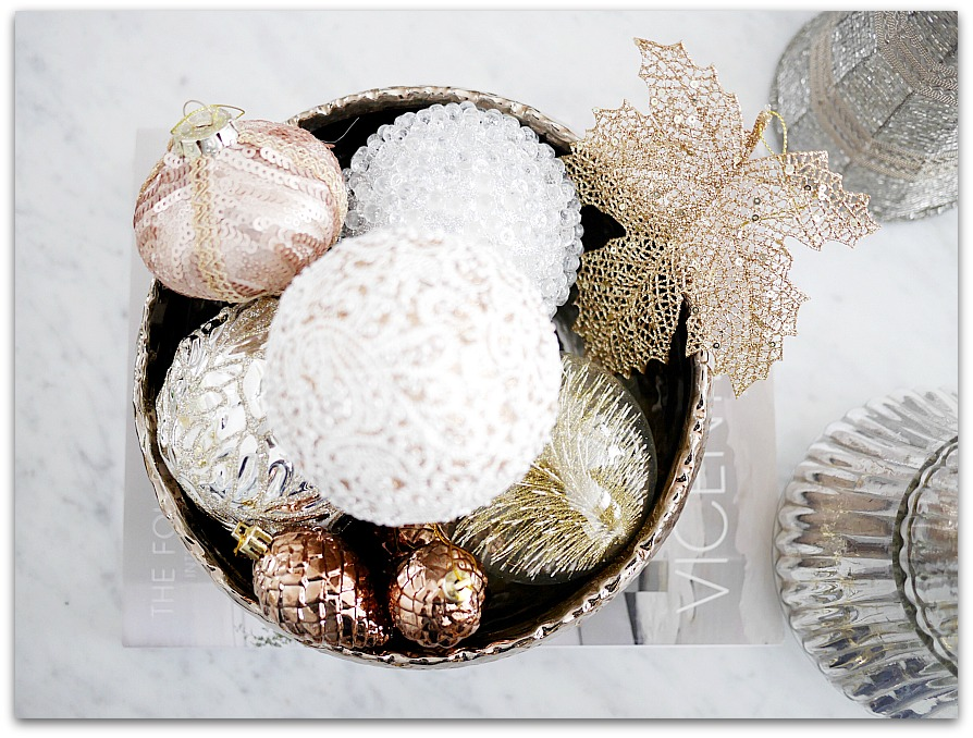 Mixed Metallics Christmas Decorations | glam ornaments | Classy Glam Living 2