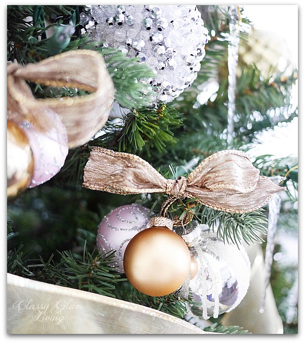 Mixed Metallics Christmas Tree decorations | Classy Glam Living