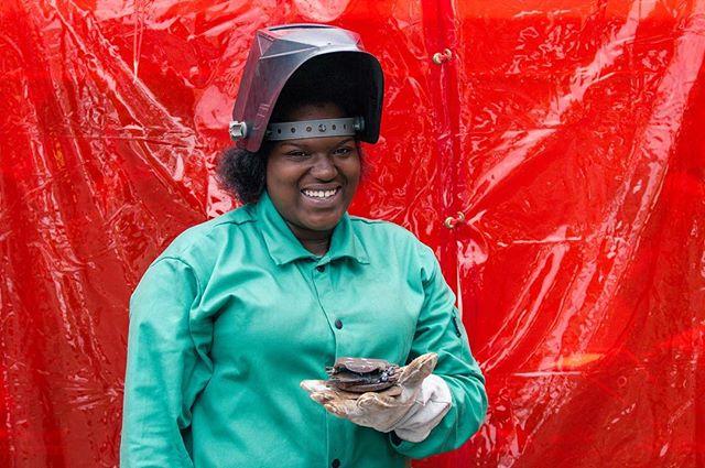 MSW apprentice with her burger sculpture and a big smile. #weldforcommunity #pittsburgh #fabrication #industrialart #publicart #weld #welding #metal #womenwhoweld 📷: @murphyleemoschetta