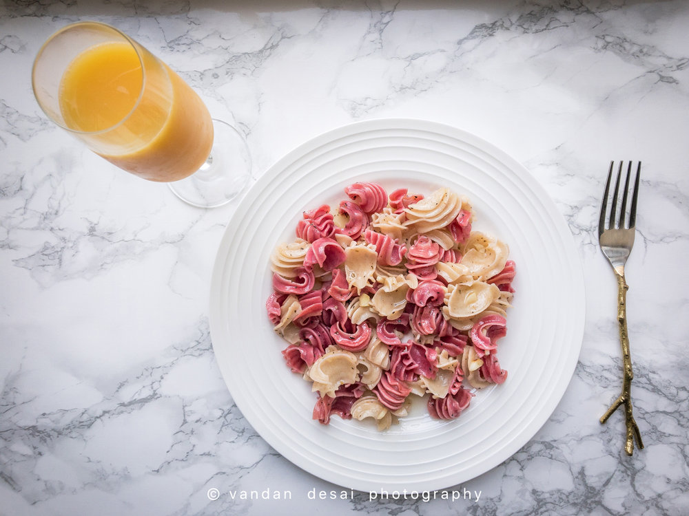 Beetroot-Pasta-in-Garlic-Sauce.jpg