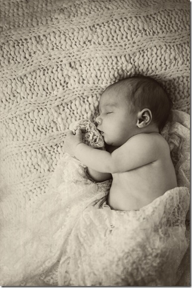 Are you expecting a sweet bundle of joy here are 15 tips to help you prepare for your newborn session