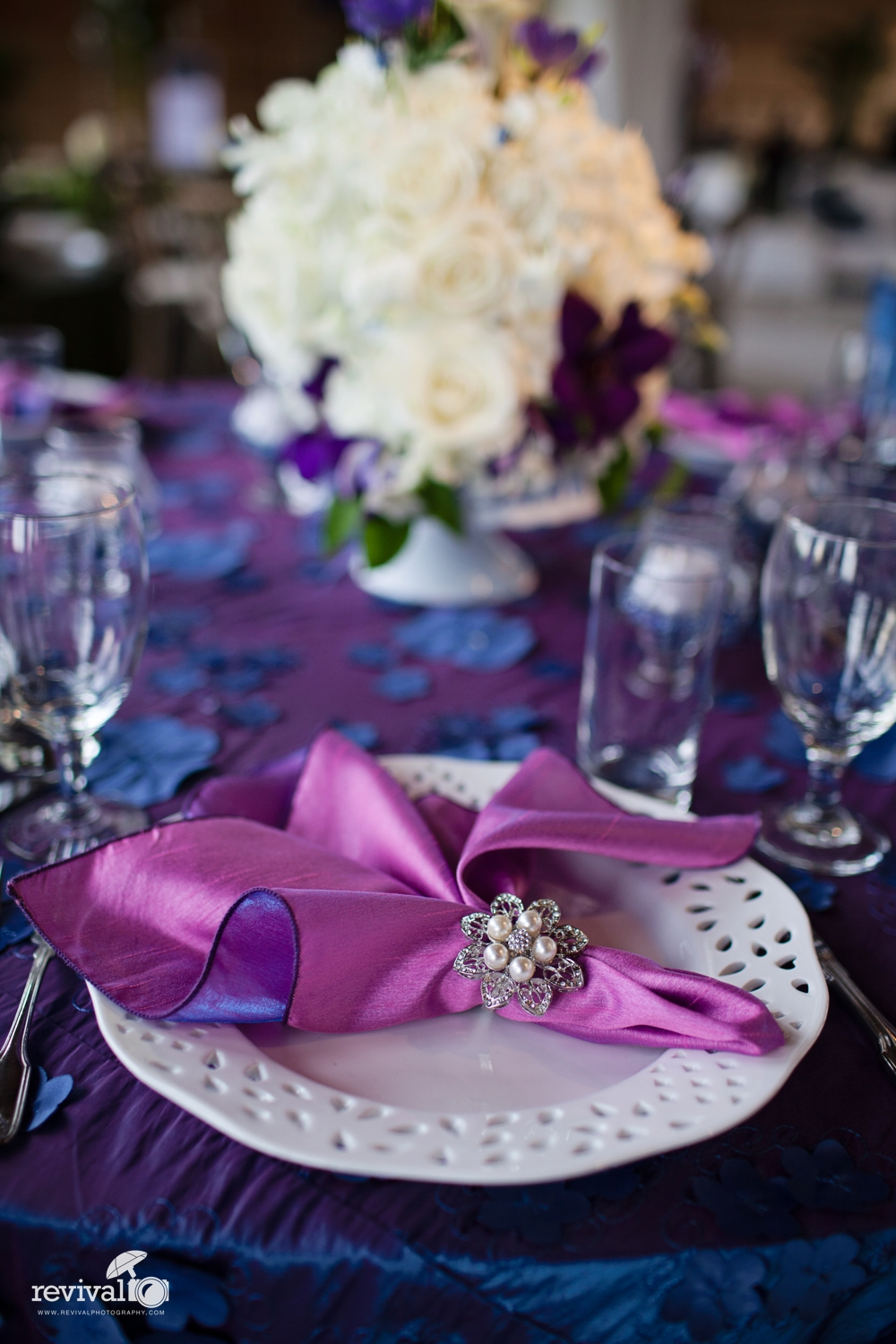 6 types of centerpieces for weddings were kind of in love with centerpieces for weddings vibrant and colorful centerpieces for weddings flowers for weddings photo by revival photography junglespirit Gallery