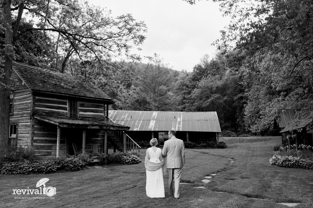 An Intimate Mast Farm Inn Wedding by Revival Photography www.revivalphotography.com