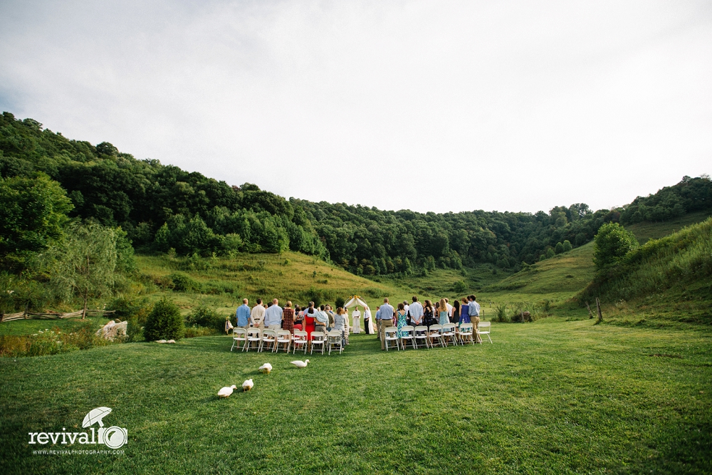 20 Wedding Day Moments (that we LOVE to capture) by Revival Photography www.revivalphotography.com