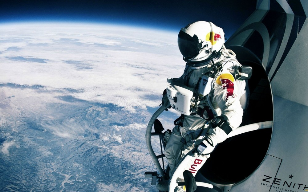 Felix Baumgartner: The Red Bull Stunt that captivated the world (Source:  itslavida.com )