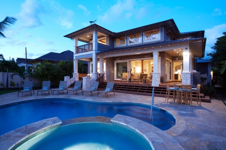 Lahaina beach house two story 3d builders and design for Two story beach house