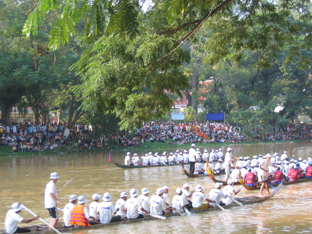 Traveling to Siem Reap, Angkor Wat and watching the Dragon Boat Races