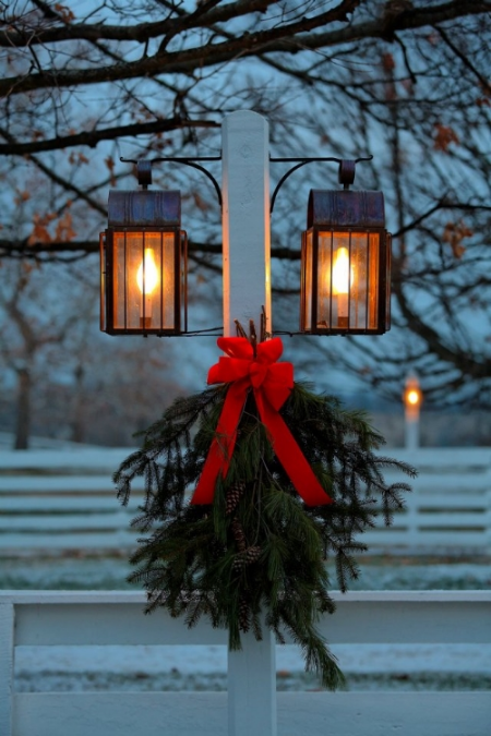Simple greenery for a festive touch.  Image Source: Pinterest