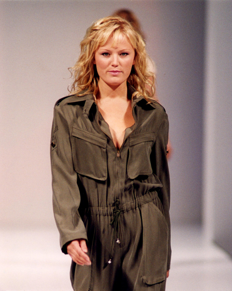 Malin-akerman-guido-toronto-fashion-week-blonde.jpg