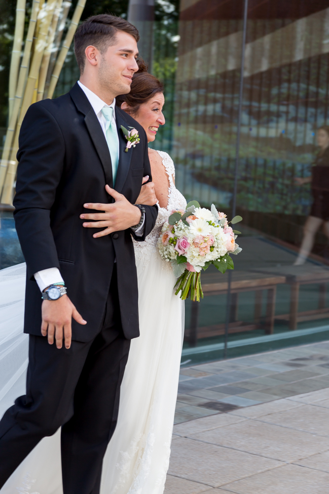 Holly+Keith's Wedding Portraits at The Tennesee Aquarium in Chattanooga By Ayeris Weddings Photography-8635.jpg