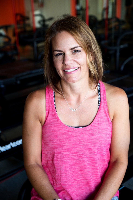 Elysha, Instructor