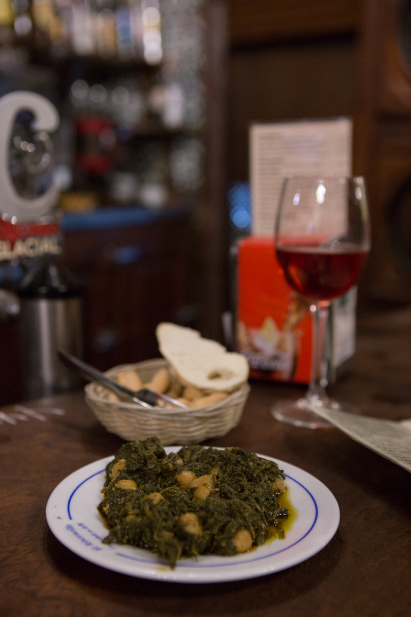 The  espinacas con garbanzos  is one of the best tapas on the menu