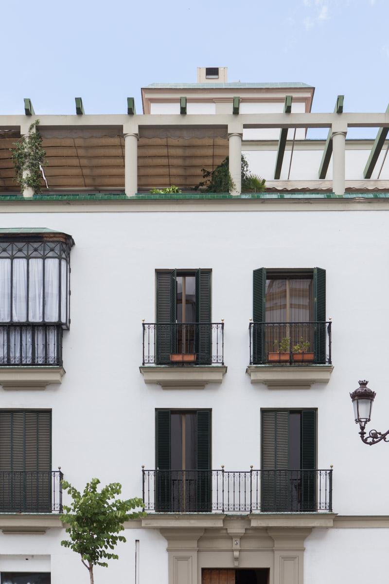 Classic Seville details