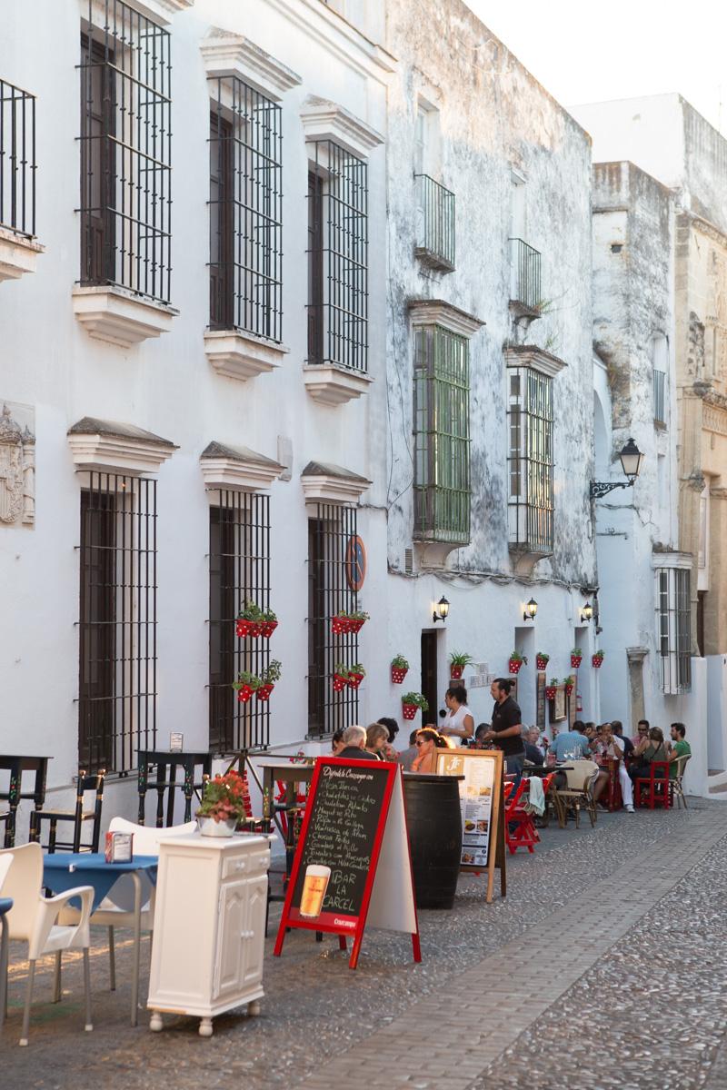 Alfresco dining along Calle Dean Espinosa