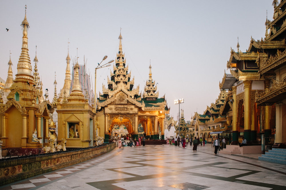 Yangon-Shwedagon-sunrise-wide-golden