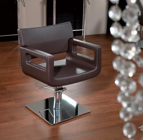 Frisør stol brun.jpg