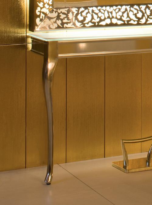 Spejl med bord.jpg