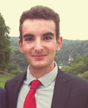 Corentin, 19 ans - Centres d'Intérêts : la voile, le rugby, la politiqueProfession : étudiant en droit-science politique à l'ICP