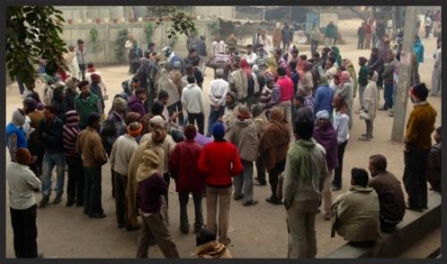 Contract labour market, New Delhi