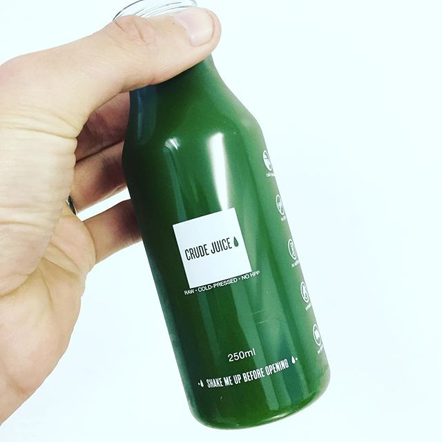 ALKALISE YOUR BLOOD WITH A GREEN ONE JUICE. Green=Lean  WE DELIVER 🚗💨 WWW.CRUDEJUICE.CO.UK #greensmoothie #greens #spirulina #instamood #fitness#instamood #crudejuice#coldpressed#raw#juice#cleanse#cleaneats#alkaline #pure#greenjuice#vegan#yoga#healthychoices #instafood#foodporn