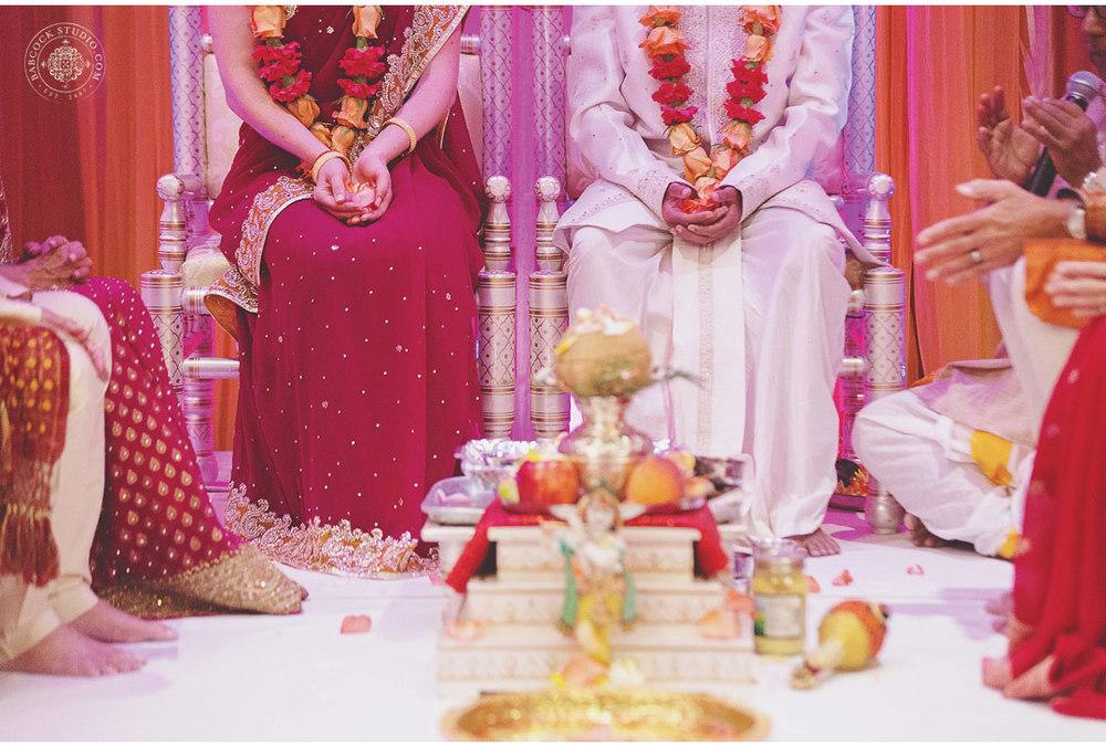 liz-nupur-indian-hindu-dayton-wedding-photography-11.jpg