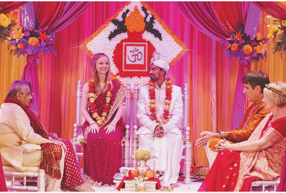 liz-nupur-indian-hindu-dayton-wedding-photography-12.jpg