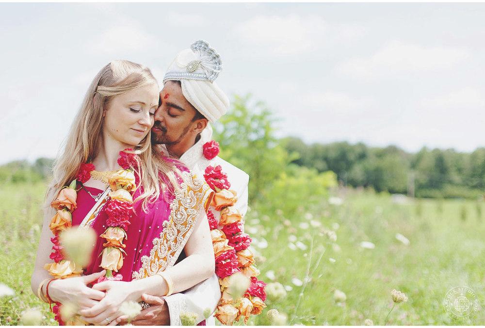 liz-nupur-indian-hindu-dayton-wedding-photography-18.jpg