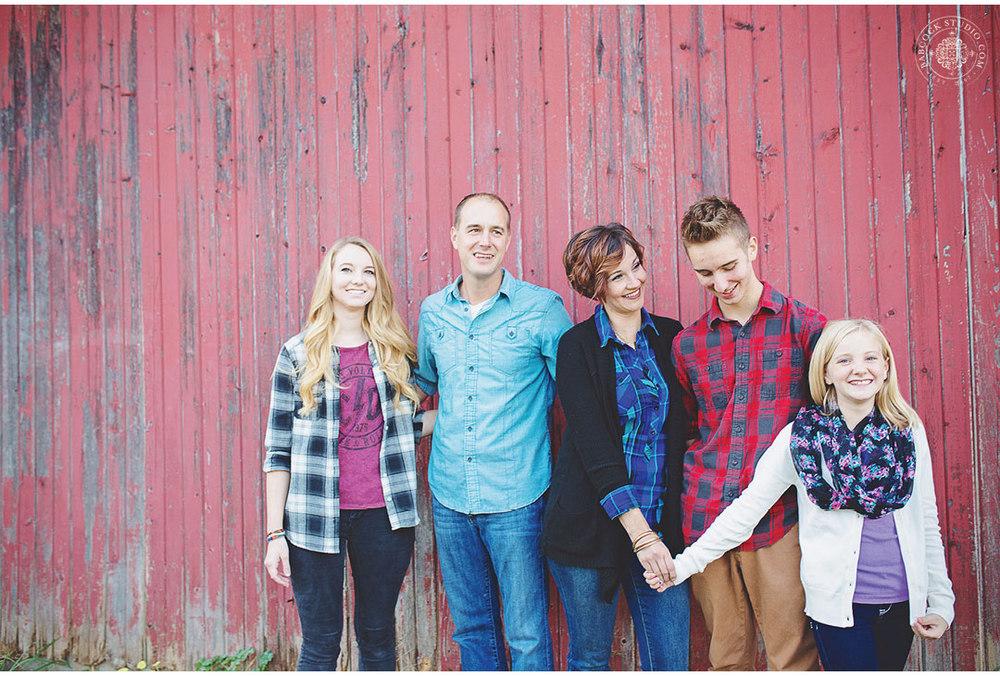 ferrall-dayton-family-horse-photography-7.jpg