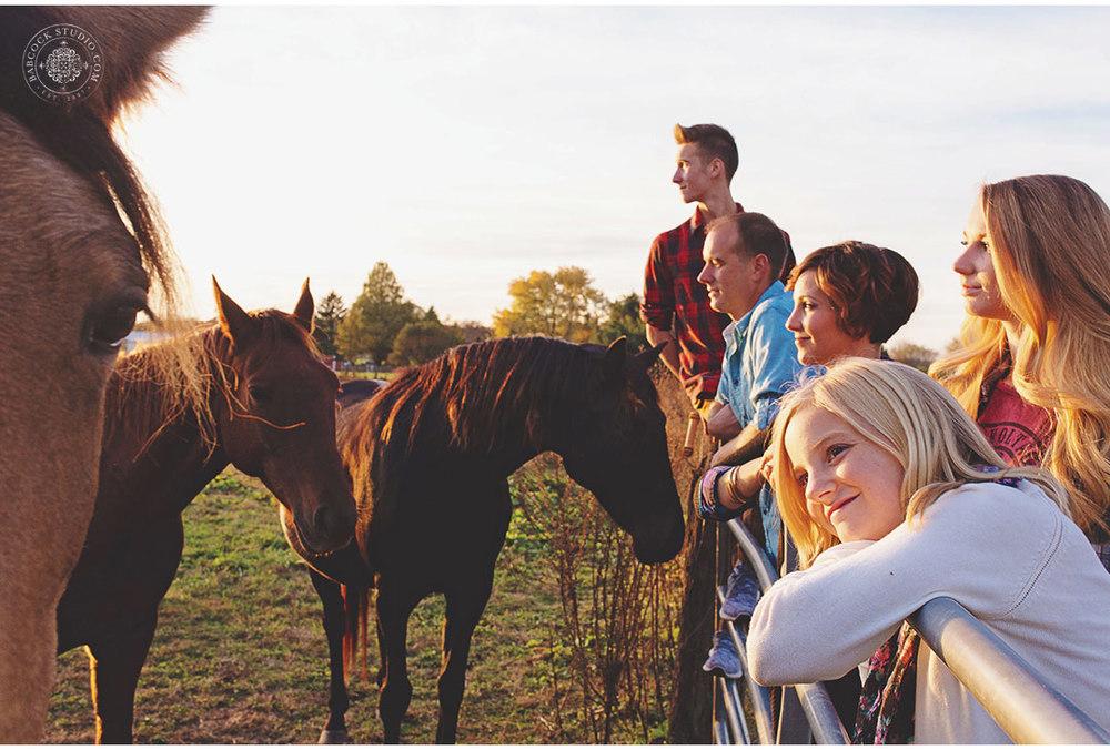 ferrall-dayton-family-horse-photography-17.jpg