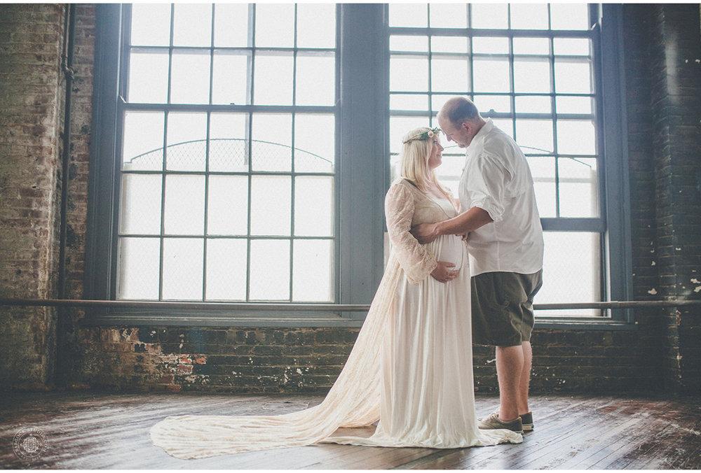 jen-pregnancy-family-photographer-dayton-ohio-8.jpg