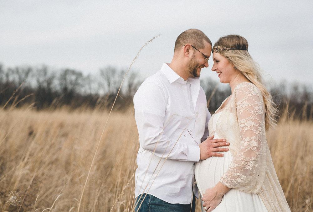 megan-logan-maternity-photographer-dayton-ohio-2.jpg