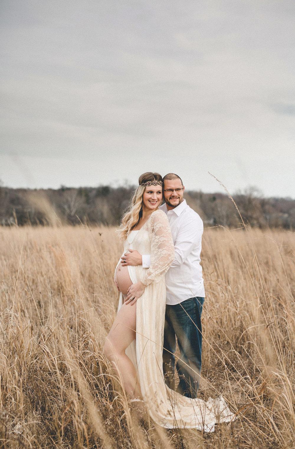 megan-logan-maternity-photographer-dayton-ohio-3.jpg