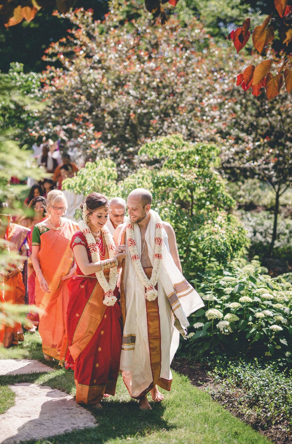 2anusha-andrew-indian-columbus-wedding-photographer-dayton-ohio-14.jpg